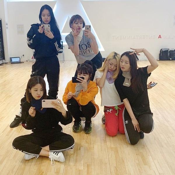 6 cô gái Apink