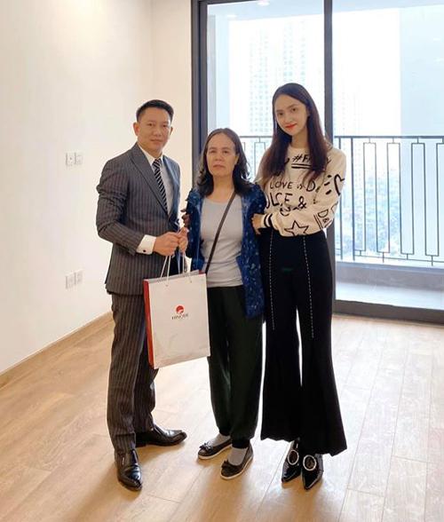 Hương Giang mua một căn chung cư mới để tặng mẹ.