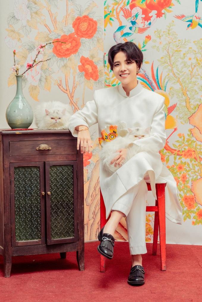 """<p> Năm qua, Vũ Cát Tường hoàn thành được những mục tiêu bản thân đặt ra từ cuối năm 2018. Nữ ca sĩ mở đầu loạt dự án cá nhân bằng concert """"Dear Hanoi"""" vào cuối tháng 8. Tiếp đến, cô trở thành đại diện Việt Nam đầu tiên hai lần liên tiếp trình diễn tại Asia Song Festival.</p>"""