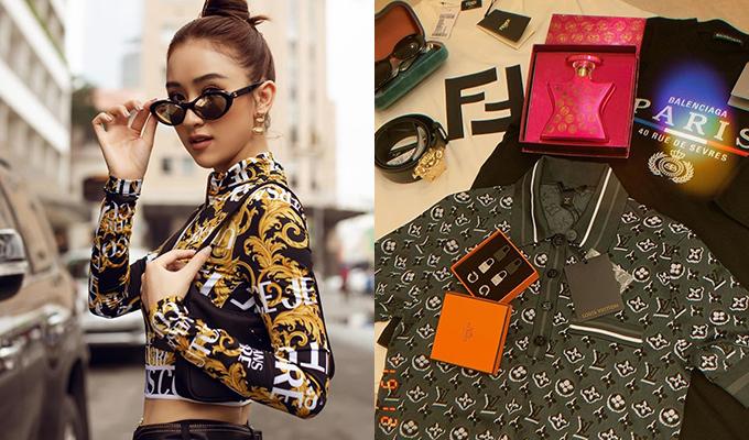 Thành quả mua sắm của Hà Thu trong những ngày đầu năm 2020 là những item đúng mốt đến từ Louis Vuitton, Fendi, Balenciaga... Gần đây, người đẹp nổi lên như một yêu nữ hàng hiệu mới của Vbiz.