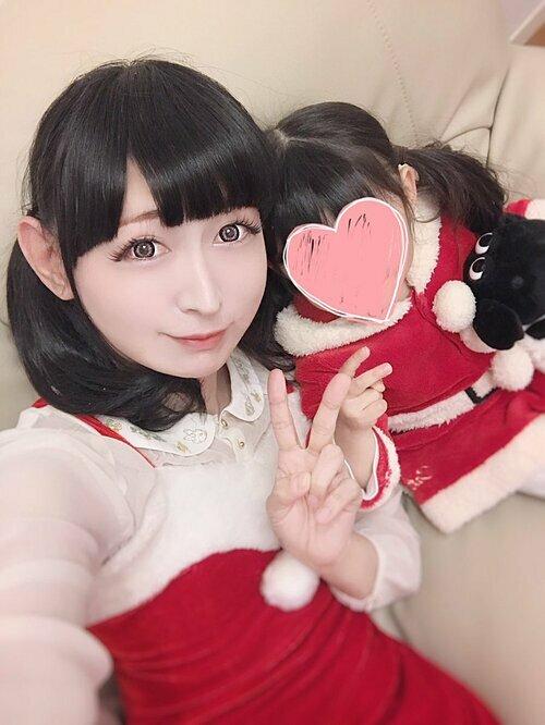Takuma chia sẻ bức ảnh chụp cùng con gái.