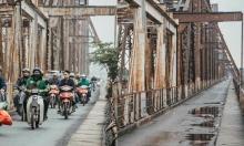 Đường phố Hà Nội đối lập trước và trong Tết