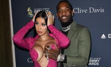 Vợ chồng Cardi B tạo dáng phản cảm tại tiệc tiền Grammy