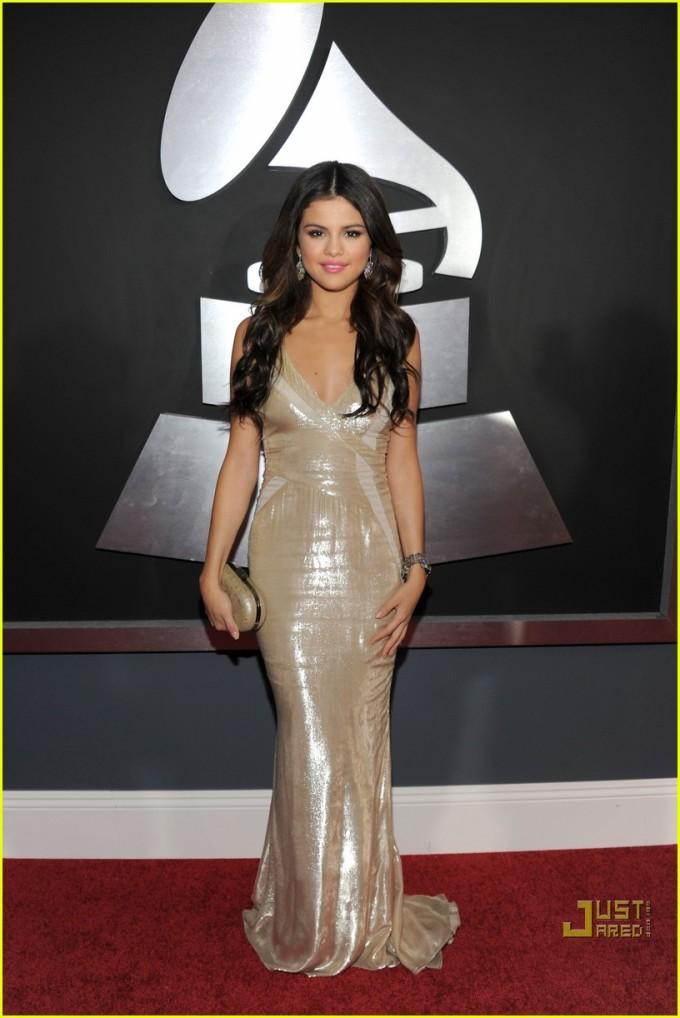 <p> Khi tham dự Grammy 2011, Selena Gomez được biết đến với vai trò diễn viên.</p>
