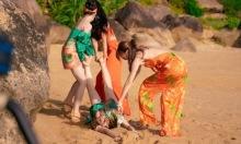 Thùy Anh bị kéo lê dưới cát nóng trong 'Gái già lắm chiêu 3'