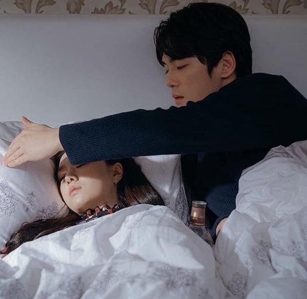 Seung Jun phải lòng Seo Dan.