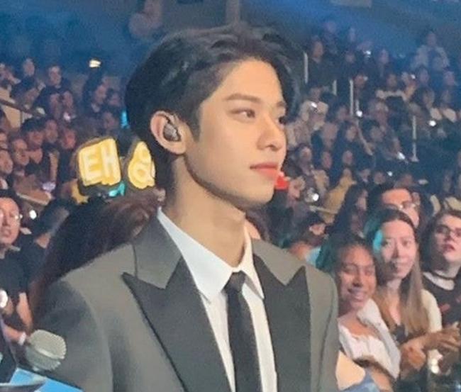 Dong Hyun từng gây bão với khoảnh khắc đẹp bất chấpcamera điện thoại tại KCON 2019.