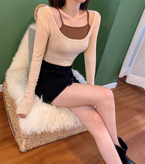 Đây là kiểu trang phục lý tưởng dành cho những cô nàng có vóc dáng mảnh mai, lấy cảm hứng từ trang phục múa ballet cổ điển.