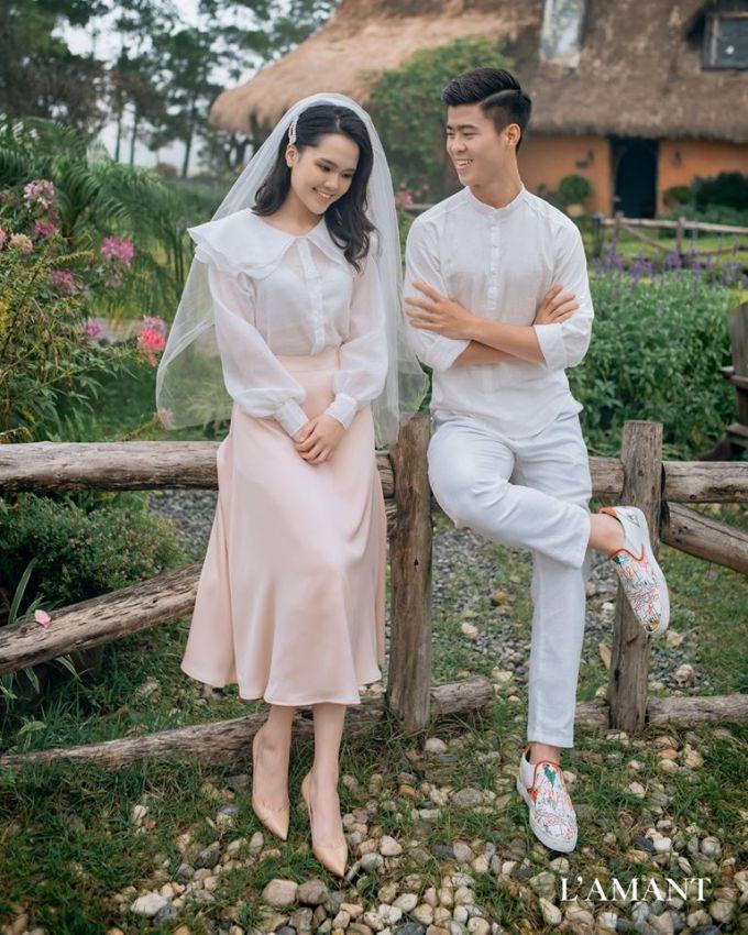 <p> Tối 6/2, vợ chồng Duy Mạnh - Quỳnh Anh tiếp tục chia sẻ bộ ảnh cưới mới sau loạt ảnh chụp ở studio.</p>