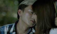 Quách Ngọc Tuyên hôn Hoàng Yến Chibi trong 'Cuốc xe nửa đêm'