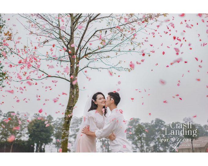 <p> Duy Mạnh hôn Quỳnh Anh giữa khung cảnh lãng mạn.</p>