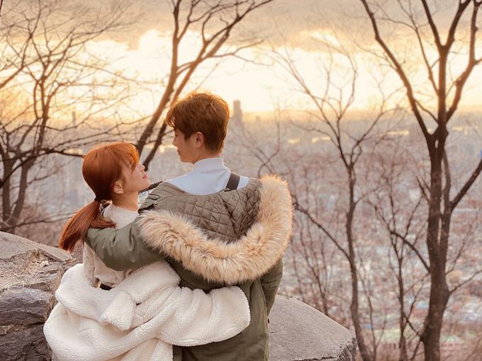 <p> Khoảnh khắc lãng mạn của cặp đôi trong buổi chiều tà ở xứ kim chi.</p>