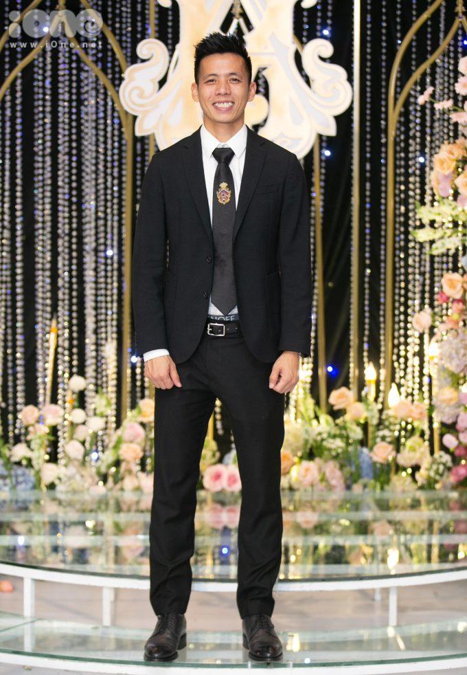 <p> Văn Quyết là anh rể của Quỳnh Anh, đồng thời là đồng nghiệp thân thiết với Duy Mạnh.</p>