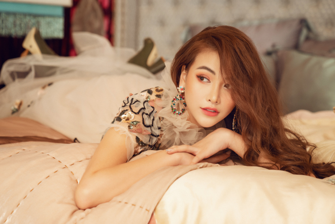 <p> Ảnh: Hai Nguyen,Stylist: Mạch Huy,Make up: Tử Hạo Huỳnh.</p>