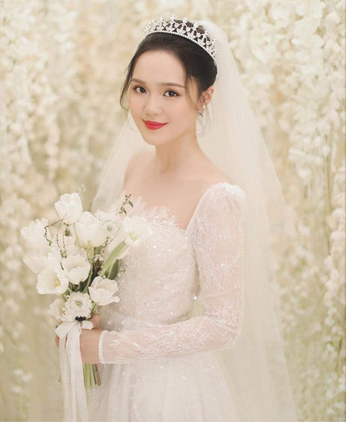 Chọn đúng màu son, Quỳnh Anh xinh lung linh trong đám cưới - 5