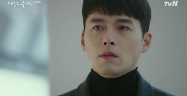 Trai đẹp Bắc Hàn rơi lệ khi người yêu hôn mê 3 ngày mà chỉ có thể đứng nhìn từ xa.