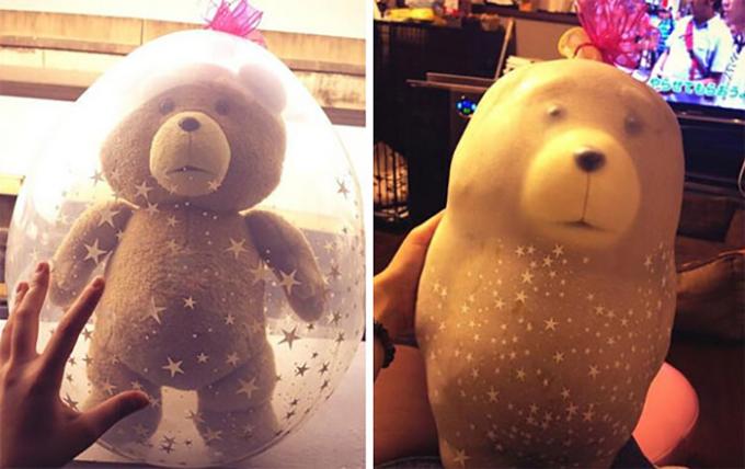 <p> Tặng một chú gấu bông nhỏ xinh được lồng trong bóng bay, nhưng khi hết hơi, hình dạng kỳ dị khiến bạn hoảng hồn.</p>