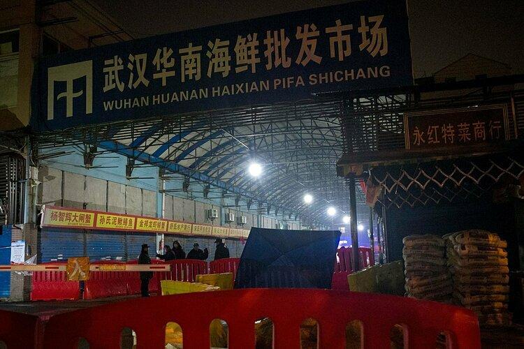 Khu chợ buôn bán động vật hoang dãHoa Nam, nơi những bệnh nhân nhiễm nCoV được phát hiện đầu tiên.