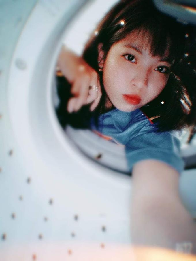 <p> Sau khi thử nghiệm, nhiều người đồng tình với quan điểm:Thiết kế máy giặt lồng ngang có vẻ dễ dàng chụp hơn lồng giặt đứng.</p>