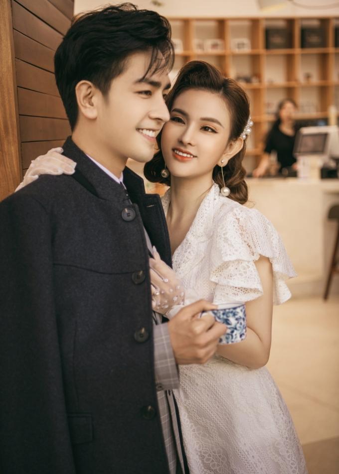 <p> Vợ chồng Thu Thủy có mùa Valentine đầu tiên bên nhau kể từ khi kết hôn. Họ cùng nhau ăn tối, đi du lịch trong ngày đặc biệt này.</p>