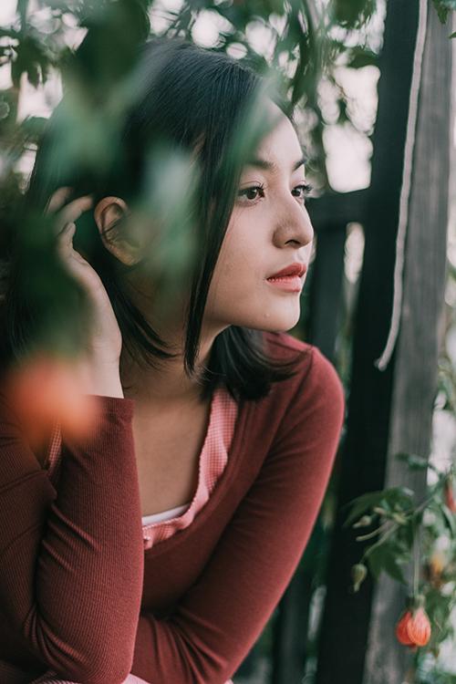 Nhân dịp Valentine, ca sĩ Nguyên Hà phát hành ca khúc Chờ ngày lời hứa nở hoa. MV được thực hiện tại Đà Lạt với sự tham gia diễn xuất của nữ diễn viên Mắt biếc Thảo Tâm.