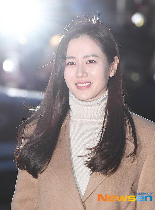 Tên tuổi cô đang nổi đình đám ở Hàn sau thành công của drama Crash Landing On You (Hạ cánh nơi anh).