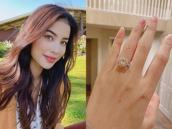 Từ Valentine năm ngoái cho đến hiện tại, ít nhất ba lần, hoa hậu Phạm Hương được chồng đại giatặng nhẫn kim cương.
