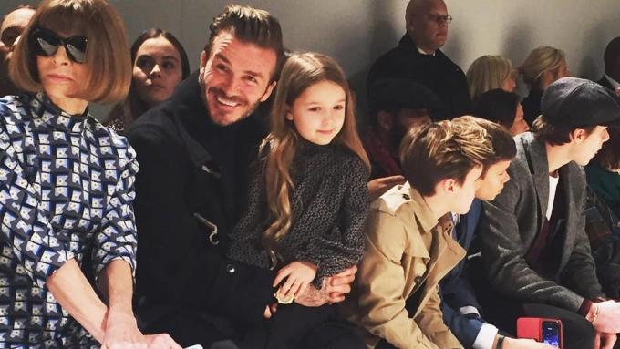 <p> Hai bố con ở New York Fashion Week tháng 2/2017. Ảnh: <em>instagram/miss_mccarthy.</em></p>