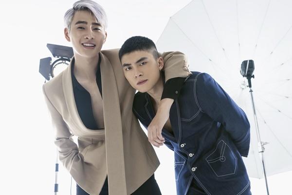 Nhâm Phương Nam (trái) sở hữu gương mặt sáng, chiều cao nổi trội. Anh từng có thời gian làm mẫu ảnh tại Hà Nội. Gần đây, anh Nam tiến và thử sức ở vai trò diễn viên, ca sĩ.