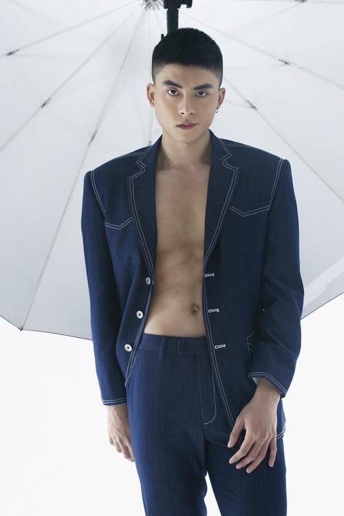 Phạm Thế Thịnh khoe body săn chắc. Anh là diễn viên, người mẫu được chú ý gần đây khi tham gia nhiều gameshow.
