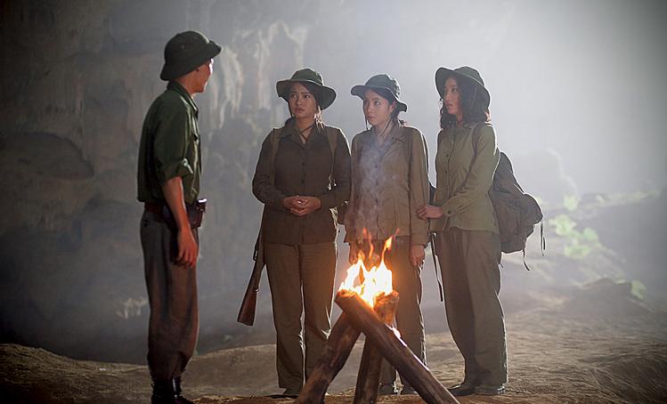 3 nữ chiến sĩ Mùi, Phượng, Tuyết Lan.