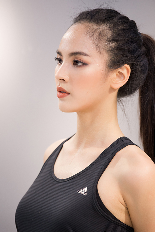 Quỳnh Nga sẽ kết thúc khoá đào tạo với ê kíp của 'ông trùm sắc đẹp' Rodgil vào ngày 26/2. Sau đó cô vào TP HCM để chính thức tham dự chung kết Miss Charm 2020, diễn ra từ 5/3 đến 17/3.