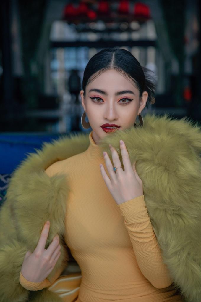 <p> Sau khi đăng quang, Lương Thùy Linh có gần hai tháng chuẩn bị để tham dự đấu trường nhan sắc quốc tế. Cô lọt vào top 12 Miss World.</p>