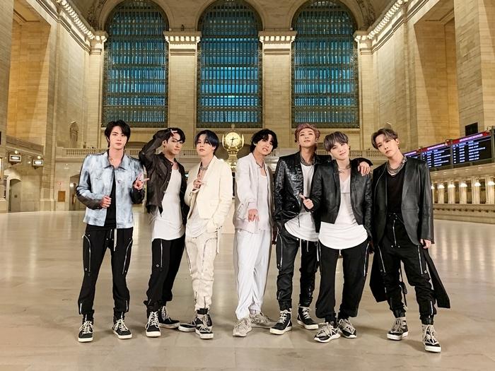 BTS kiệt sức sau màn trình diễn ON tại Mỹ - 3