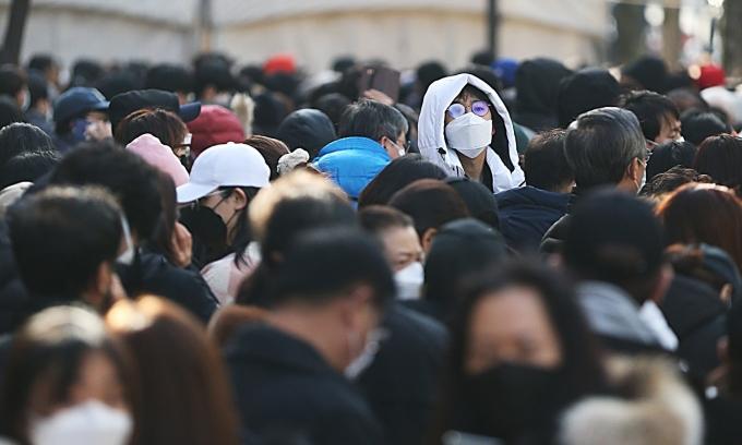 Các chuyến bay từ Hàn Quốc đi Trung Quốc bất ngờ cháy vé