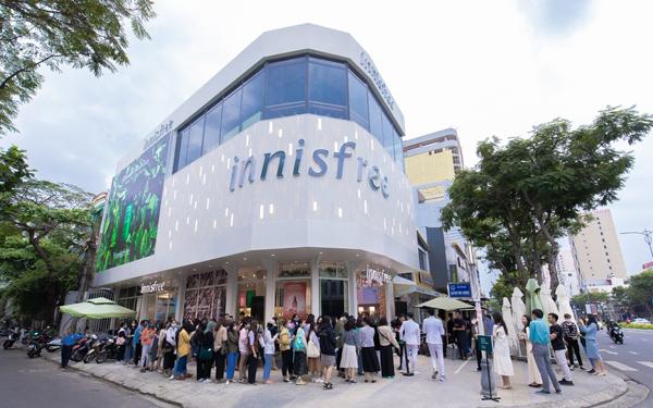 Trong hai 21 và 22/2, innisfree đón hàng trăm tín đồ làm đẹp của Đà Nẵng tới tham quan, mua sắm.