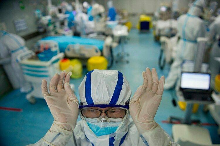 Một đơn vị chăm sóc đặc biệt điều trị bệnh nhân nhiễm nCoV trong một bệnh viện ở Vũ Hán, Trung Quốc. Ảnh: AFP.