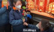 Cặp vợ chồng y tá làm đám cưới trong bệnh viện giữa dịch Covid-19