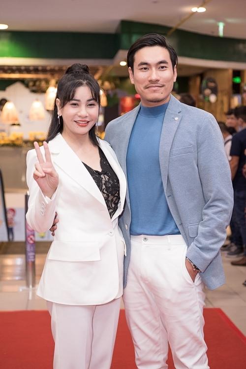 Sao Việt tấp nập xem phim Nắng 3 - 3