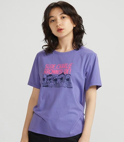 Ở Nhật Bản, áo phông UT có giá tính ra tiền Việt là 215 - 330 nghìn đồng. Giá tại Singapore và Thái Lan lần lượt là 230 - 330 nghìn đồng và 290 - 430 nghìn đồng.