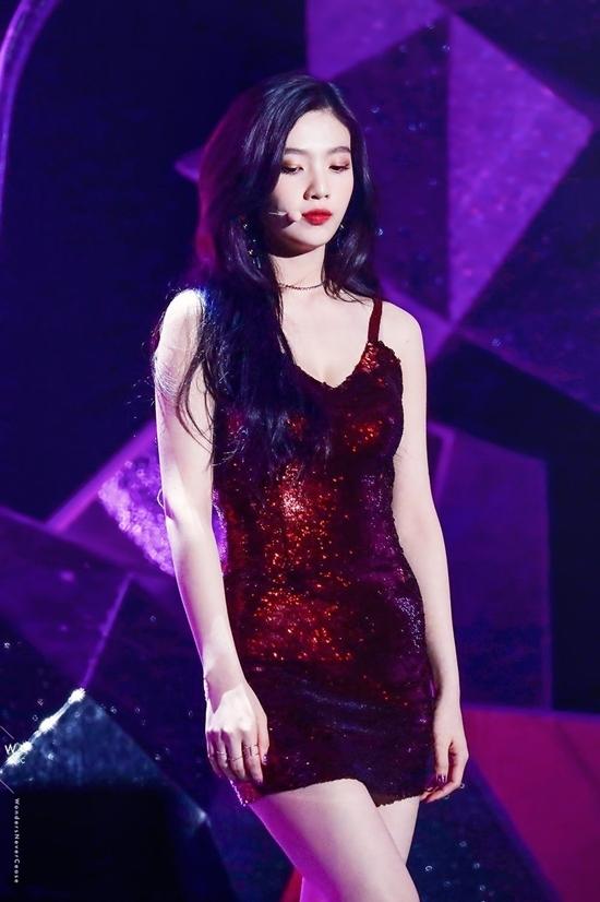 Những nữ idol Kpop sinh ra để mặc váy liền - 1