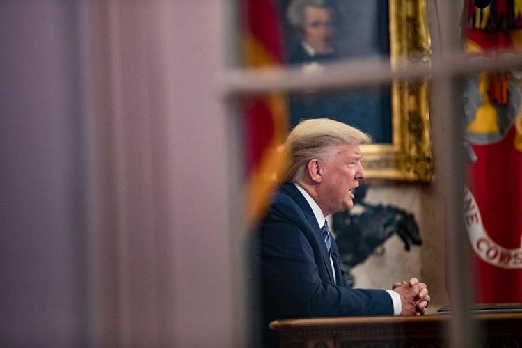 Trump tuyên bố dừng tất cả chuyến bay đi từ châu Âu trong 30 ngày tới, bắt đầu từ 13/3, trừAnh. Ảnh: New York Times.