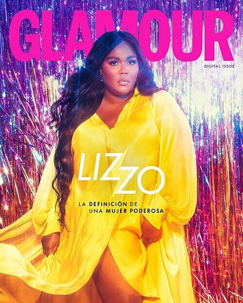 Mẫu đầmcủaCông Trí sáng tạo cho Lizzo lên bìa tạp chí Glamour Mexico số tháng ba.