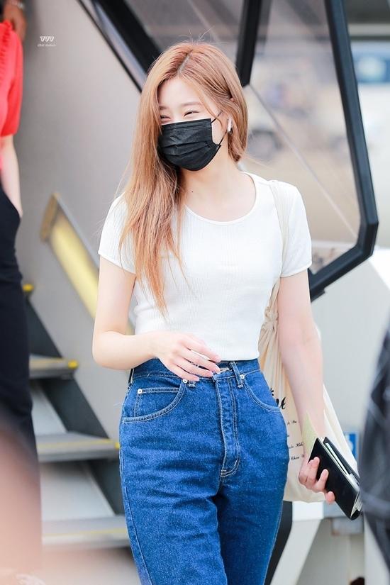 Những idol diện quần jeans đẹp nhất Kpop - 2