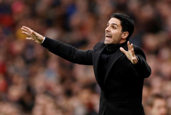 <p> <strong>Mikel Arteta</strong></p> <p> Ngày 13/3, huấn luyện viên của Arsenal - một trong những đội bóng nổi tiếng nhất giải Ngoại hạng Anh - đã xét nghiệm dương tính. Sau khi HLV Mikel Arteta có kết quả, cả đội Arsenal và các nhân viên lập tức phải tự cách ly 14 ngày.</p> <p> Sau đó, HLV 37 tuổi vẫn giữ tinh thần lạc quan và dự kiến sẽ hồi phục hoàn toàn. Mikel cho biết sẽ trở lại làm việc khi được phép.</p>