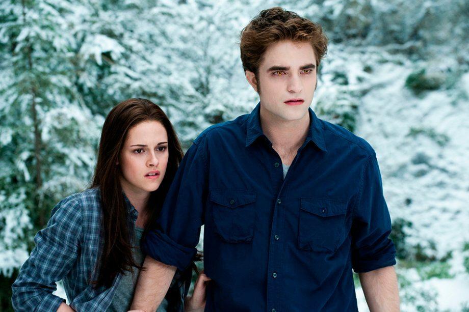 Robert Pattinson và Kristen Stewart trong Twilight.