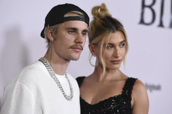 """<p class=""""Normal""""><strong>Justin Bieber</strong></p>  <p class=""""Normal"""">Ngày 13/2, nam ca sĩ chia sẻ trên Instagram rằng anh đã ủng hộ 200.000 NDT (khoảng 29.000 USD) cho Quỹ từ thiện Chunmiao Bắc Kinh - một tổ chức phi lợi nhận hướng đến trẻ em ở Trung Quốc.</p>  <p class=""""Normal"""">""""Đọc tin tức, tôi không thể tưởng tượng sẽ đáng sợ thế nào nếu căn bệnh mới ảnh hưởng đến vợ, gia đình và bạn bè tôi. Người dân Trung Quốc, chúng tôi sẽ sát cánh bên các bạn"""", Justin Bieber viết trên Instagram.</p>"""