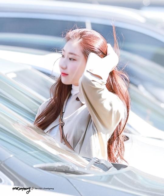 Làn da trắng mịn như đậu hũ non của hai mỹ nhân JYP - 12