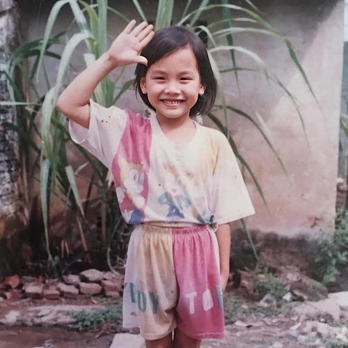 Bảo Thanh nghịch ngợm trong bức hình chụp lúc 10 tuổi.