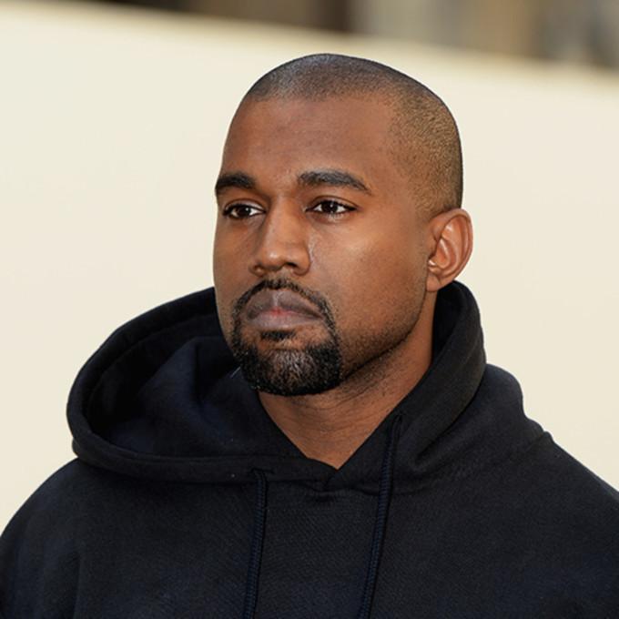 """<p class=""""Normal""""><strong>Kanye West</strong></p>  <p class=""""Normal"""">Ngày 19/3, rapper Kanye West quyên góp cho Dream Center ở Los Angeles và We Women Empowered ở Chicago - quê hương anh - để giúp đỡ những người gặp khó khăn. Anh từ chối tiết lộ số tiền ủng hộ. Chúng sẽ được dùng để bữa ăn cho các gia đình, trẻ em và người già bị ảnh hưởng bởi Covid-19.</p>"""